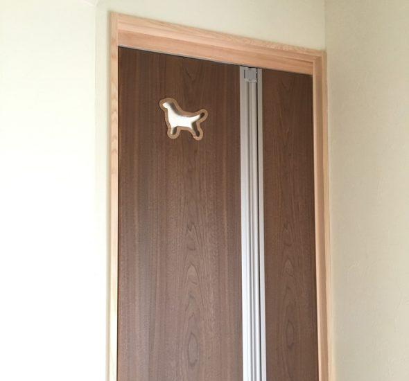 ドアの明りとり
